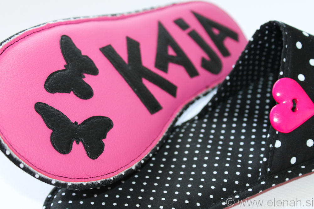 Copatki 10 črno bele pike roza srček black write dots pink heart button Kaja 6