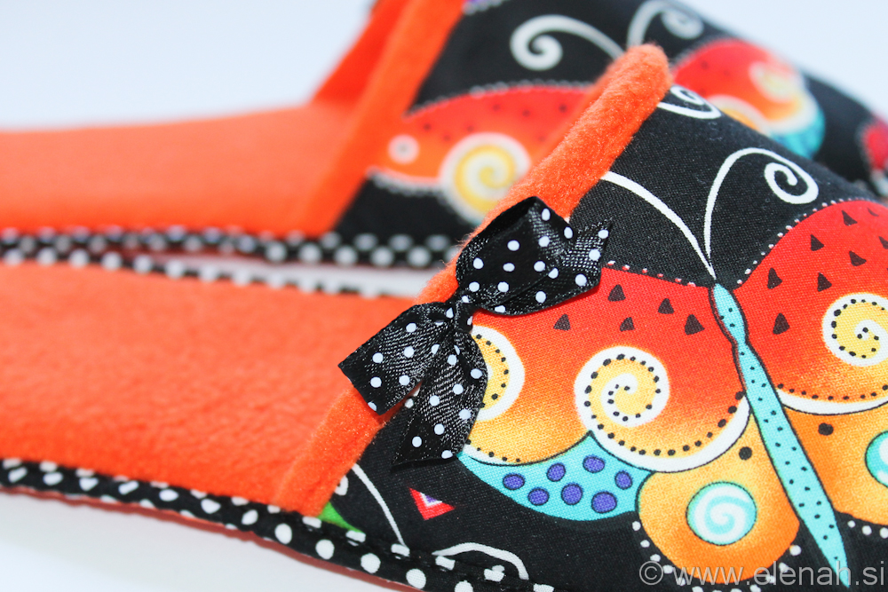 Copatki 8 pike metulji oranžni flis Slippers dots Laurel Burch fabric butterflies orange fleece 4