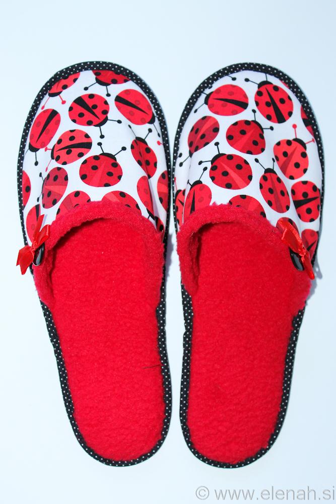 Copatki pikapolonice  Slippers ladybug  1a