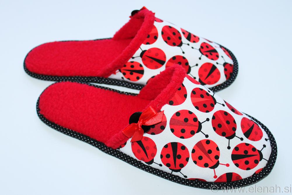 Copatki pikapolonice  Slippers ladybug  1b