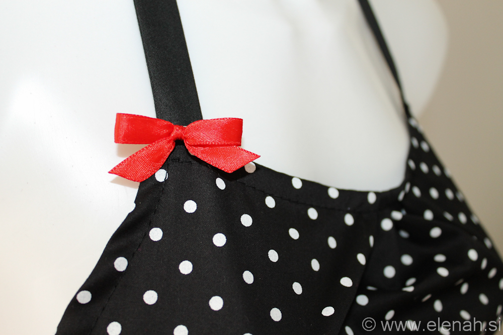 Day 71 apron polka dot red buttons and ribbon 2