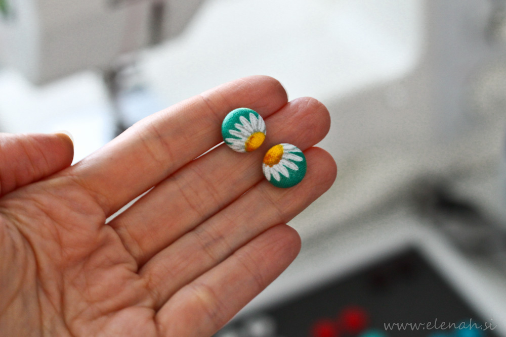 Uhani marjetice ročno delo Elenah blago earrings handmade daisy fabric