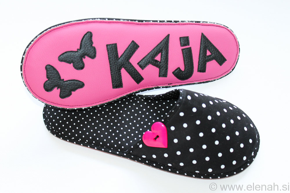 Copatki 10 črno bele pike roza srček black write dots pink heart button Kaja 5