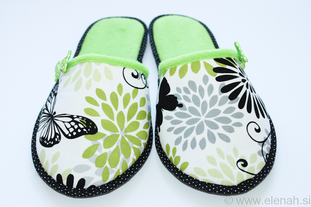 Copatki pike metulji zeleni flis Slippers dots butterflies green fleece 2