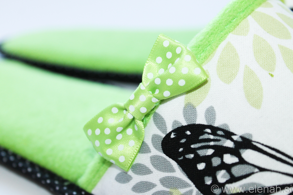 Copatki pike metulji zeleni flis Slippers dots butterflies green fleece 5