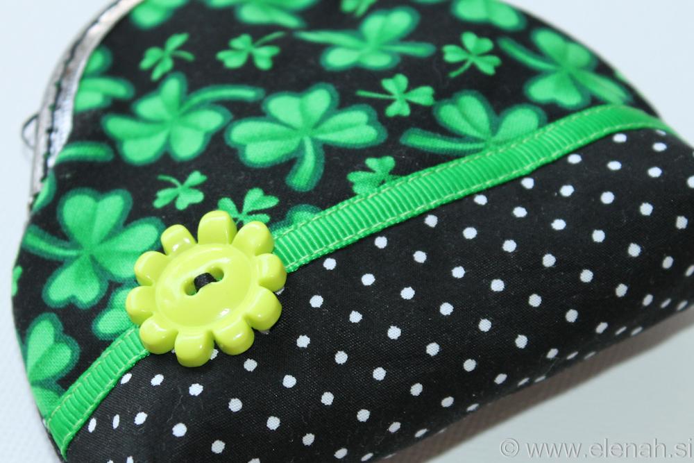 Drobižnica 3 črna zelena pike deteljice Frame coin purse black green clover 2